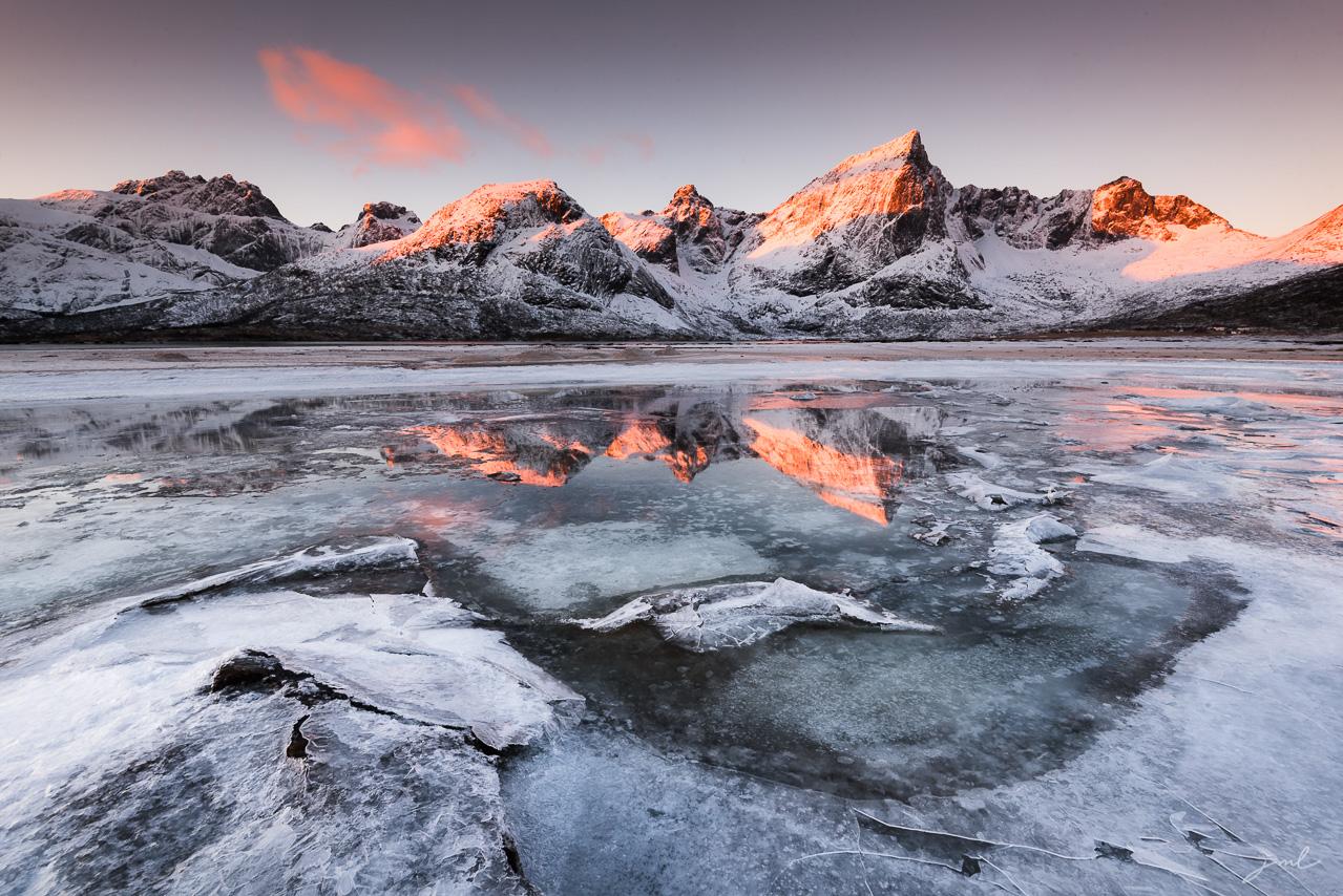 Paysages dramatique des iles Lofoten